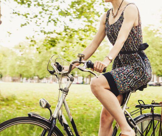 Faire du vélo entre deux cafés